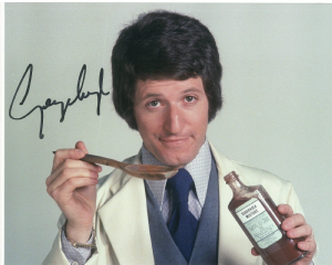 George Layton - Doctor in Charge, 10x8 genuine signed autograph 10232
